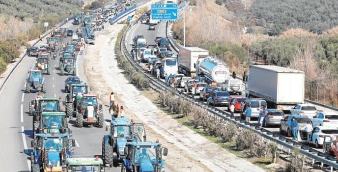 Los frentes del campo andaluz contra el Gobierno alientan nuevas protestas