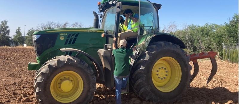 ¡Saca partido a tu tractor! ASAJA-Sevilla y Masur Agrícola SL te enseñan el manejo más económico,…