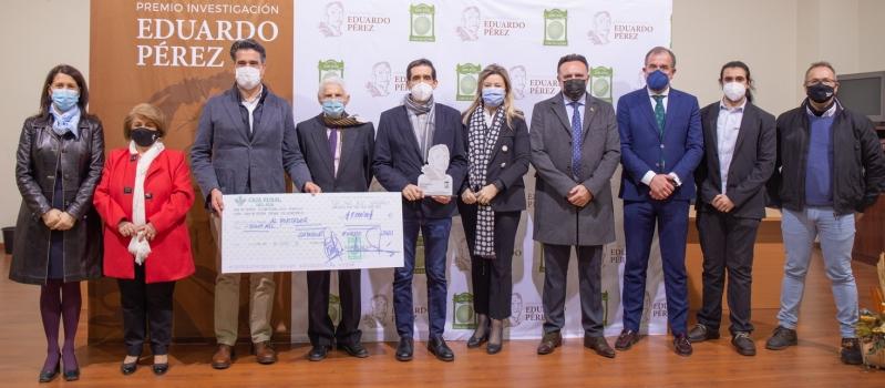 """La Olivarera San José de Lora de Estepa entrega el III Premio de Investigación """"Eduardo Pérez""""…"""
