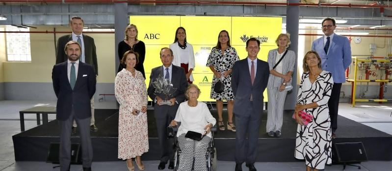 José Luis de Pablo-Romero recibe el XII Premio Simón de Rojas Clemente