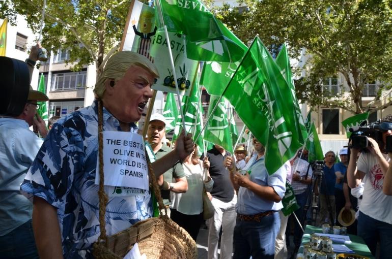 ASAJA reclama al Gobierno de Pedro Sanchez máxima presión internacional para evitar nuevos aranceles americanos a nuestros productos agrarios